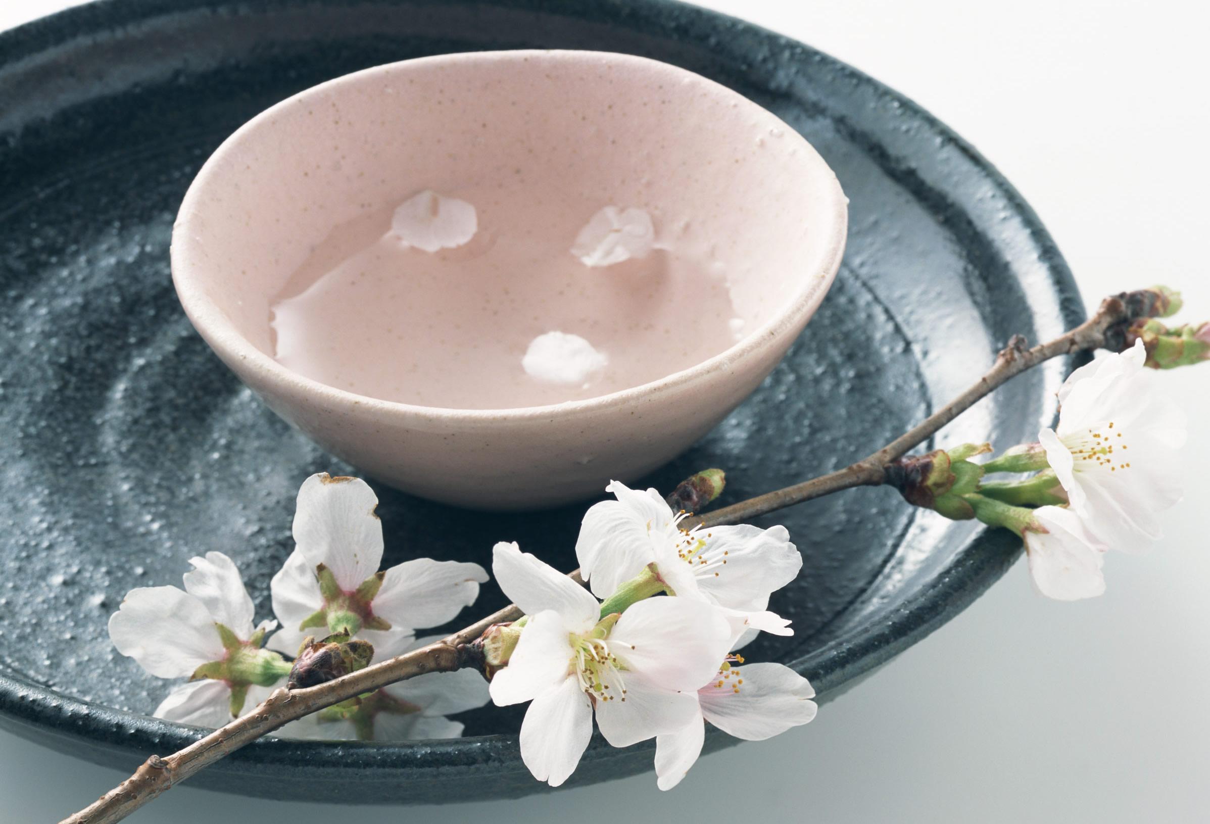 日本酒を美味しく保存するには光と暑さから守ることが重要ですのサムネイル画像