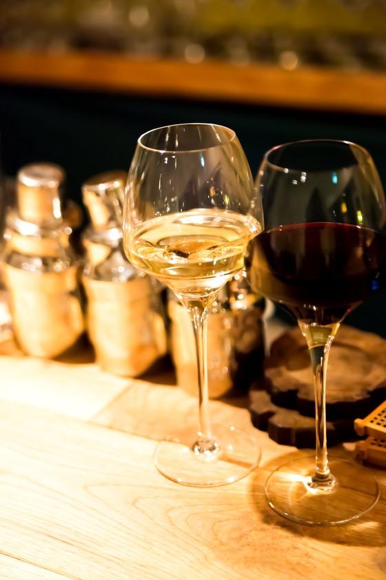 オシャレな白ワインベースのカクテルがわかれば、アナタもカクテル通のサムネイル画像