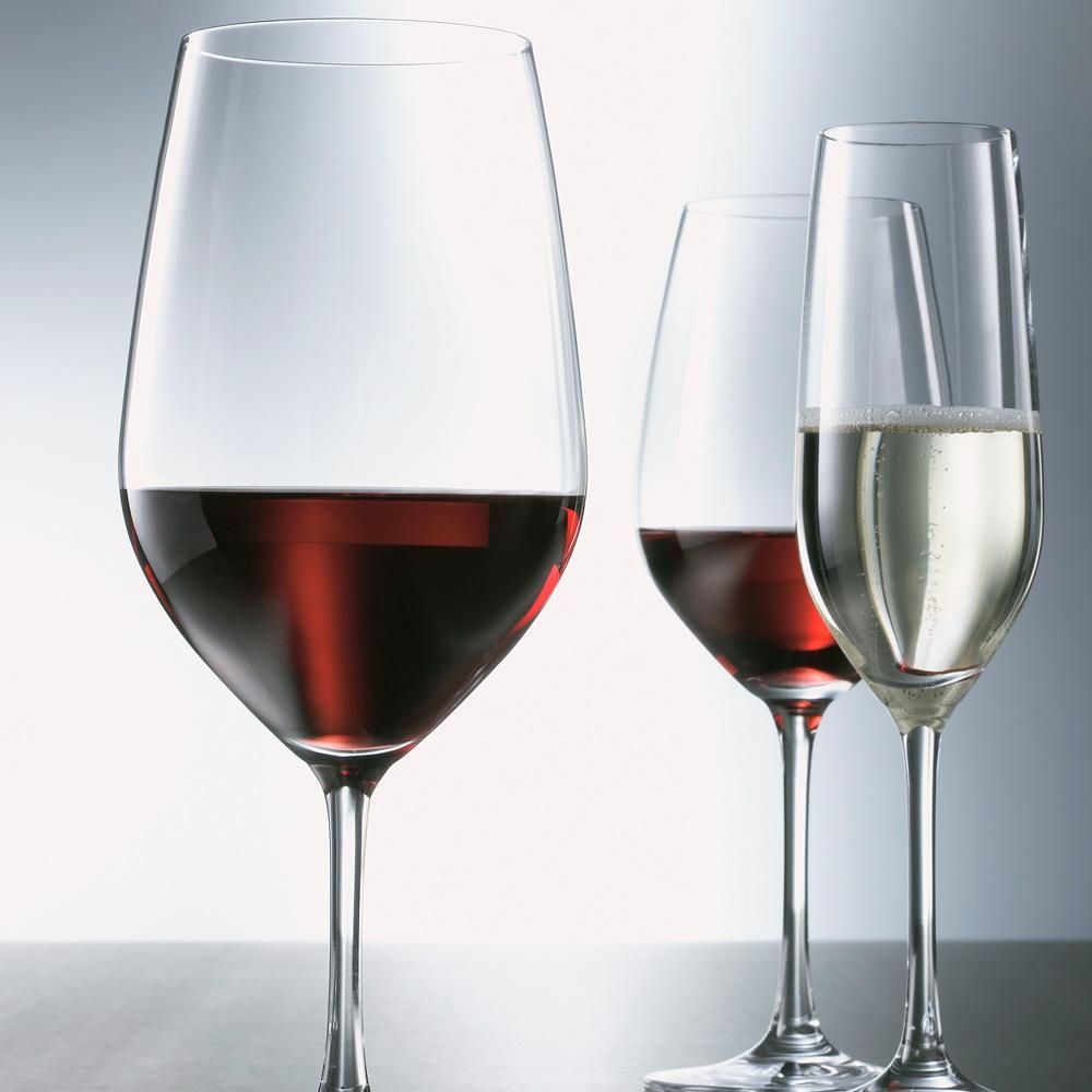 ワンランク上のワインの楽しみ方!適したワイングラスの種類って?のサムネイル画像