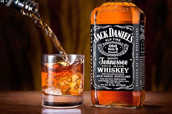 ウイスキーが初めての人も必見!飲んでおきたいウイスキーランキングのサムネイル画像