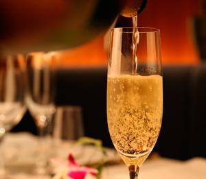 シャンパンの賞味期限を知って、もっとおいしくシャンパンを飲もうのサムネイル画像