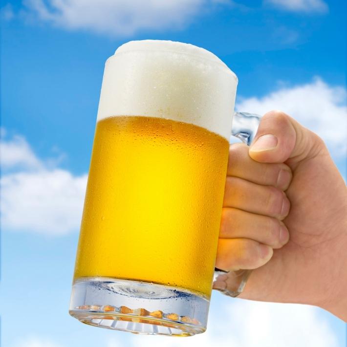 毎日ビールを飲むと健康に良い?ビールがもたらす健康効果とは?のサムネイル画像