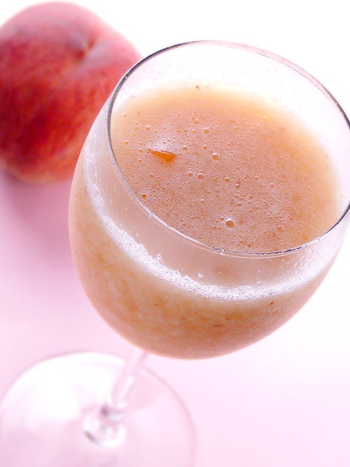 桃にまつわるお酒の情報!ピーチカクテルのあれこれご紹介しますのサムネイル画像