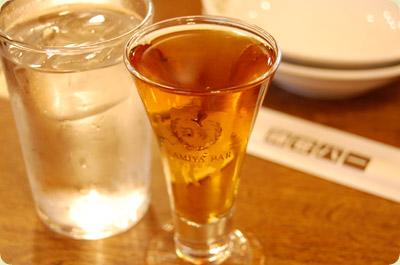 有名文豪も愛したお酒電気ブランって知ってる?その飲み方をご紹介!のサムネイル画像