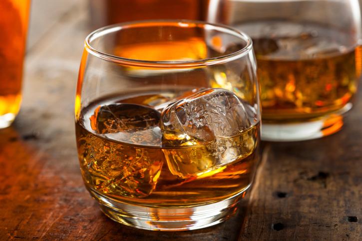 お酒に賞味期限ってあるのかしら?美味しいお酒を飲みたい方へ!のサムネイル画像