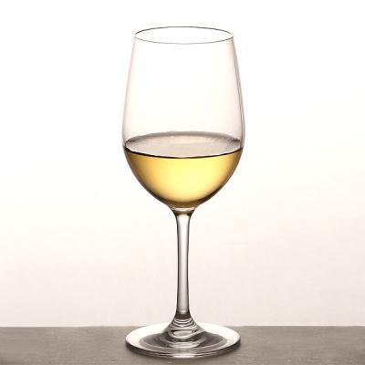 そのまま飲むのもいいけれど・・・。 白ワインを使ったカクテルのサムネイル画像