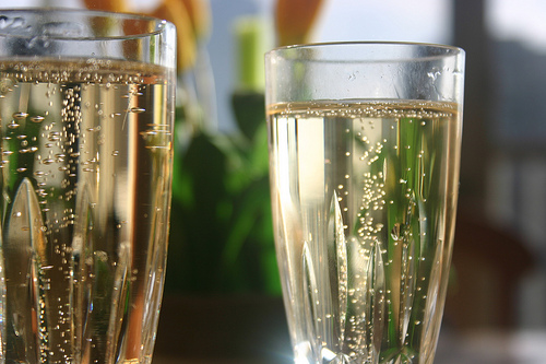 今夜はおうち飲み♪おすすめスパークリングワイン6種まとめのサムネイル画像
