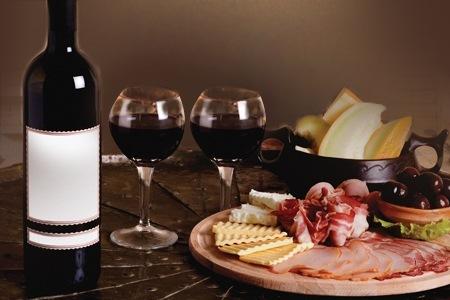 必読!!ワインのつまみに困った時に役立つ簡単おつまみレシピ15選!のサムネイル画像