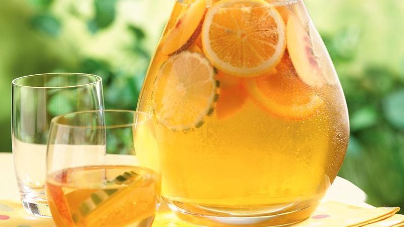 爽やか風味の白いサングリア!?今話題の白ワインで作るサングリア♡のサムネイル画像