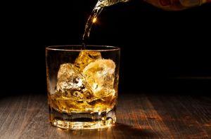 ウイスキーを自宅で楽しむ♪おすすめ銘柄と簡単カクテルレシピのサムネイル画像