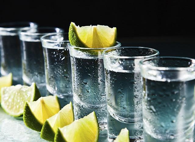ロシアが本場のきつ~いお酒★ウオッカの飲み方をご紹介します!のサムネイル画像