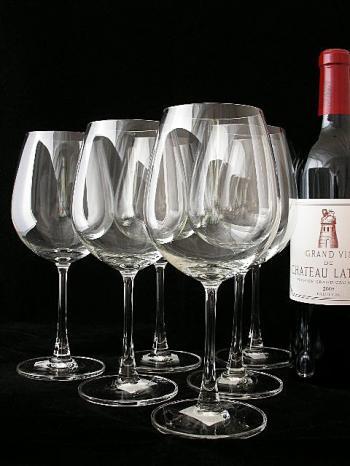 贈り物にも、自宅用にも揃えたい!憧れのワイングラスセット!のサムネイル画像