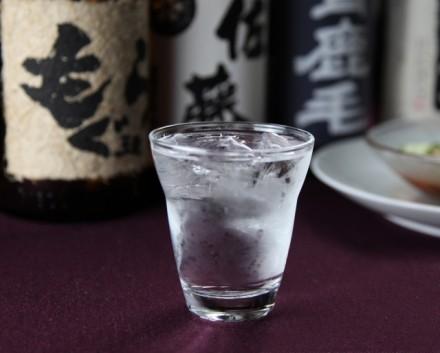 焼酎が初めての人も必見!飲んでおきたい☆焼酎ランキング!のサムネイル画像