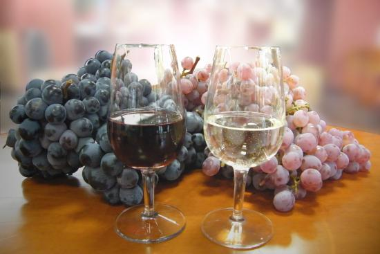 ワイン王国の山梨 国産ブドウからできたワインの魅力に迫ります。のサムネイル画像