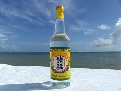 泡盛ってどんなお酒?沖縄名物泡盛の原料は何で作られているのか?のサムネイル画像